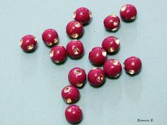 5 handgefertigte Perlen aus Polymer Clay mit Strass-Steinen.    Polymer Clay ist eine ofenhärtende Modelliermasse, die es in verschiedenen Farben gibt