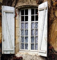 Window in Charente-Maritîme    ....www.geomapi.com