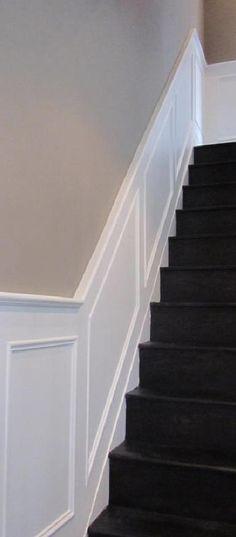 beadboard.de Diele Eingangsbereich , Wandverkleidung an Treppe ...