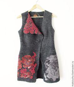 Купить Длинный жилет женский валяный Красные цветы - длинный жилет, Жилет женский