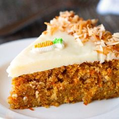 Looking for Fast & Easy Cake Recipes, Easter Recipes! Recipechart has over free recipes for you to browse. Find more recipes like Scrumptious Carrot Cake with Cream Cheese Frosting. Cupcakes, Cupcake Cakes, Just Desserts, Delicious Desserts, Carrot Cake Topping, Yummy Treats, Sweet Treats, Jai Faim, Cake Recipes