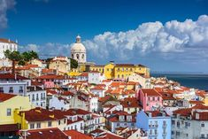 Algarve, Portuguese To English, Cheap City Breaks, Places To Travel, Places To Visit, Lisbon City, Station Balnéaire, Reisen In Europa, Voyage Europe