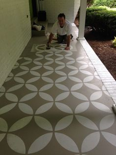 Endless Moorish Circles Moroccan Stencil painted door and front porch makeover by Bella Tucker Decorative Finishes with Royal Design Studio stencils on concrete floor Front Porch Makeover, Patio Makeover, Door Makeover, Diy Front Porch Ideas, Concrete Floor Coatings, Porch Flooring, Outdoor Flooring, Painting Concrete, Floor Painting