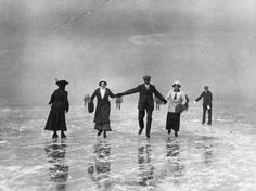 Skaters at Oxford. January 30, 1912 Photo: Topical Press Agency/Getty