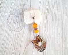Sautoir pendentif papillon chaine argent 925 (76cm) avec perles de verre filé au chalumeau améthyste-jaune : Collier par auverredoz