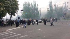 Ukraine, Mariupol, Мариуполь 09 05 14  Фашисты бегут из города