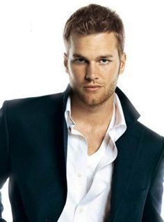 Not one for football but if everyone looked likeTom Brady I'd give it a shot.