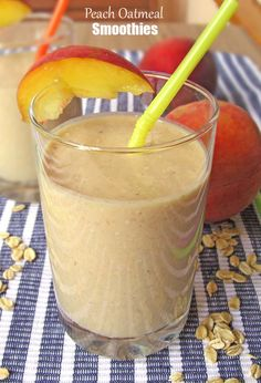 Peach Oatmeal Smoothie | www.sugarapron.com | #recipes #smoothies #peach
