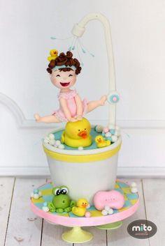 Cute bathtub cake