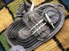 Nålebinding kit complete with case, bone needle, wool and a round of Oslo Nålebinding  Bone needle wool and complete package to start Nålebinding