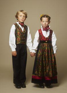 Hundreårsdrakten – festdrakt til barn – Eva Lie Design Folk Costume, Costumes, Ethnic Dress, Dresses Kids Girl, Bridal Crown, Outfit Sets, Diy Clothes, Kids Girls, Norway