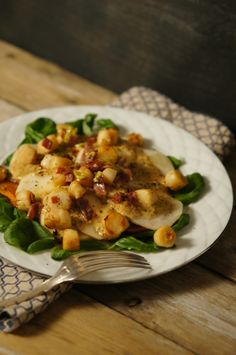 lumo lifestyle: A salad of scallops, fruits and herbs