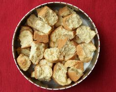 South African Dishes, South African Recipes, Baking Recipes, Snack Recipes, Bread Recipes, Rusk Recipe, Crispy Cheddar Chicken, All Bran, Tea Cookies
