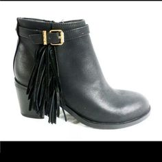 "Sam edelman Circus jolie black fringe booties sz 9 NWOB zips up inside. Heel : 2.5"" fringe on outside Sam Edelman Shoes Ankle Boots & Booties"