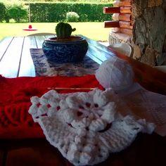 Tejiendo un nuevo almohadón  en la galería mientras disfruto del #cactus que mi marido me trajo ayer de regalo  #crochet #crocheted #crochetaddict #crochetlove #crocheting #tejidos #crochetersofinstagram #instacrochet #wool #yarn #yarnlove #yarnaddict #knit #knittinglove #knitterofinstagram #cactus #cactuslover #cactusgram #cactilove #cactusmovement  #naturaleza #cactusmagazine #handmadewithlove  #vivirenlassierras by gra_deluca