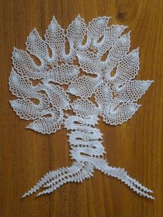 Strom Bobbin Lacemaking, Types Of Lace, Bobbin Lace Patterns, Lace Heart, Point Lace, Lace Jewelry, Lace Making, Lace Flowers, Hobbies And Crafts