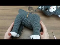 Crochet Animal Patterns, Stuffed Animal Patterns, Crochet Animals, Crochet Toys, Dinosaur Stuffed Animal, Handmade Soft Toys, Christmas Tree Ornaments, Bear, Dolls