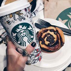 // don't let them steal your smile // Copo Starbucks, Starbucks Cup Art, Bebidas Do Starbucks, Starbucks Drinks, Starbucks Coffee, White Chocolate Mocha, Fruit Drinks, Milkshake, Love Food