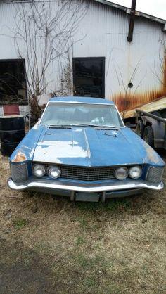 Buick Riviera Found in Spiro, Oklahoma. Tripper's Travels.