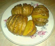Cartofi copti Baked Potatoes, Baking, Ethnic Recipes, Food, Fine Dining, Roasted Potatoes, Bakken, Essen, Meals