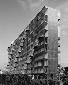 Architecture  Modern design : Housing Block | Gifu Japan | Kazuyo Sejima and Akiko Takahashi | photo  Chris