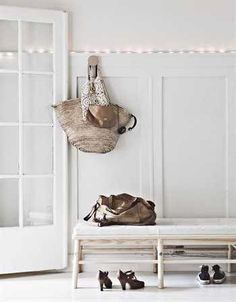 Beautiful family home in Norway - Ikea Family live Hallway Inspiration, Interior Inspiration, Küchen Design, House Design, Design Ideas, Decoration Hall, Entryway Decor, Entry Hallway, Hallway Bench