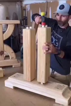 Scrap Wood Projects, Woodworking Projects That Sell, Woodworking Videos, Woodworking Shop, Woodworking Plans, Woodworking Crafts, Woodworking Magazine, Diy Dining Table, Diy Farmhouse Table