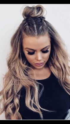 2019 Prom Hairstyles – Fashion Trend Seeker abschlussball, 2019 Prom H… 2019 Prom Frisuren – Fashion Trend Seeker abschlussball, 2019 Prom Frisuren – Fashion Trend Seeker Prom Hairstyles For Long Hair, Prom Hair Updo, Hairstyles For School, Trendy Hairstyles, Braided Hairstyles, Fashion Hairstyles, Different Braid Hairstyles, Hairstyles For Medium Length Hair Easy, Cheer Hairstyles