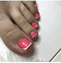 21 ideas french pedicure ideas summer pretty toes for 2019 Pretty Toe Nails, Cute Toe Nails, Fancy Nails, Trendy Nails, Pretty Toes, Pretty Pedicures, Diy Nails, Toe Nail Color, Toe Nail Art