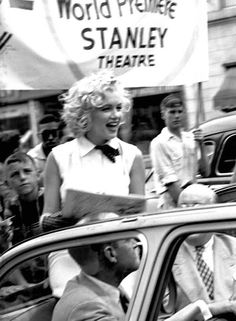 """Marilyn promoting the film """"Monkey Business"""" in Atlantic City, September Old Hollywood Stars, Vintage Hollywood, Classic Hollywood, Marilyn Monroe Old, Marilyn Monroe Quotes, Fake Pictures, Beautiful Pictures, Gentlemen Prefer Blondes, Women Names"""