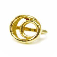 New to VintageVegasGems on Etsy: Gold Tone Oval Swirl Ring - Size 8 (8.00 USD)