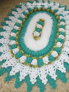 Crochet Carpet, Crochet Home, Pinterest Crochet, Crochet Table Runner, Diy Projects To Try, Crochet Doilies, Floor Rugs, Table Runners, Free Pattern