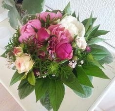 Pæoner og roser fra haven