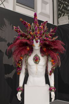 RHS Chelsea Flower Show 2016 RHS Young Chelsea Florist of the Year Competition Daisy Ellen Burgoyne Carnival Headdress, Tahitian Costumes, Manequin, Theatre Costumes, Flower Hats, Chelsea Flower Show, Flower Bouquet Wedding, Bridal Bouquets, Floral Fashion