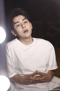 Korean Drama Romance, Korean Drama Tv, Dragon Day, You're Dead, Love Me Forever, Aesthetic Iphone Wallpaper, Handsome Boys, Cute Boys, Actors