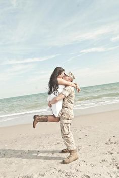this literally makes my heart melt. engagement picture #usmc. #military love. Love this!