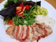 Gastro inšpirácia - Kuracie prsia grilované v slaninke so šalátom @in_medio  #gastro #culinary #jedlo #dobrejedlo # #dnesjeme #dnesjem #mnam #food #obed #ochutnaj #discover #objav #gril #instabratislava #instaslovensko #instafood #myfood #inmedio #salat #salad #mameradijedlo #jeme #gastronomia #gastronomy #ochutnaj #taste #objav #inspiracia #mojejedlo #milujemjedlo #milujemejedlo