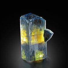 Minerals And Gemstones, Crystals Minerals, Rocks And Minerals, Stones And Crystals, Natural Gemstones, Gem Stones, Gems Jewelry, Gemstone Jewelry, Diamond Wallpaper