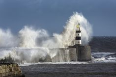 Rough Sea at Seaham Lighthouse in England - Wall Mural & Photo Wallpaper - Photowall