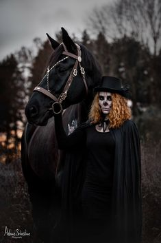 Horse Halloween Costumes, Tier Fotos, Horse Photos, Equine Photography, Portrait, Happy Halloween, Riding Helmets, Dogs And Puppies, Photo Ideas