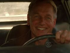 It's rare to see Gibbs smile this big!!! Lordy, what a man!!! love the smile, love the man.