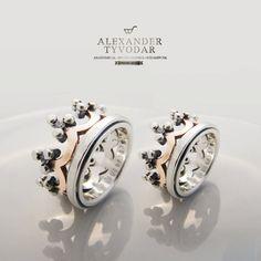 $320.00  Crown pink   Wedding Bands Crown wedding rings Delicate by TYVODAR