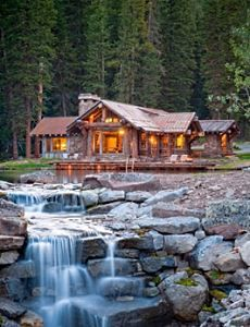 Designed  by  architect  Daniel Turvey, the 1,800 square foot cabin is located in Big Sky, Montana.