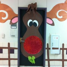 Idea for a door decoration for your movie night - Southern Outdoor Cinema expert tip for theming and enhancing a movie night at school.