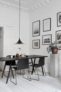 Si buscas un estilo más sobrio los tonos negro serán tu mejor opción. Complementa tu comedor con trazos modernos que definan la elegancia de tus espacios.