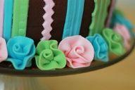 How to make ruffled fondant ribbon roses (Minnie Mouse Cake).