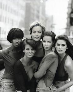 Linda Evangelista, Cindy Crawford, Naomi Campbell, Tajana Patitz, Christy Lurlington. Gourgeous… let it be! British Vogue. July, 2014. facebook.com.br