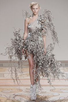 Fuck Yeah Fashion Couture | fashiondailymag: this is sick amazing, via IRIS...