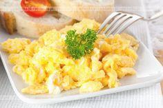 Przez żołądek do sera. Pyszne danie z jajek i sera. Jajecznica po chłopsku z ziemniakami. Aby wykonać tą potrawę potrzebujesz:jajek, ziemniaków, słoniny.