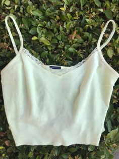 pastel green nicolette top, i don't think it's sold anymor. pastel green nicolette top, i don't think it's sold anymore in stores. a couple pulled stitches, not noticeable at all. Source by - Crop Top Outfits, Cute Casual Outfits, Pretty Outfits, Summer Outfits, Brandy Melville Outfits, Brandy Melville Tops, Brandy Melville Clothing, Teenager Mode, Cute Couples Teenagers
